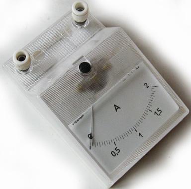 """Посмотрим на подключение амперметров в лабораторных работах.  Иллюстрации в учебнике  """"Физика - 8 """". Рис.266-270..."""